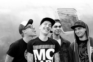 HollyWouldSurrender-band